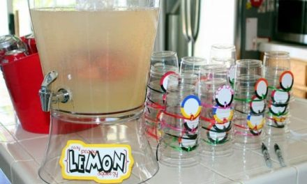 Easy Peasy Lemon Squeezy Lemonade Recipe
