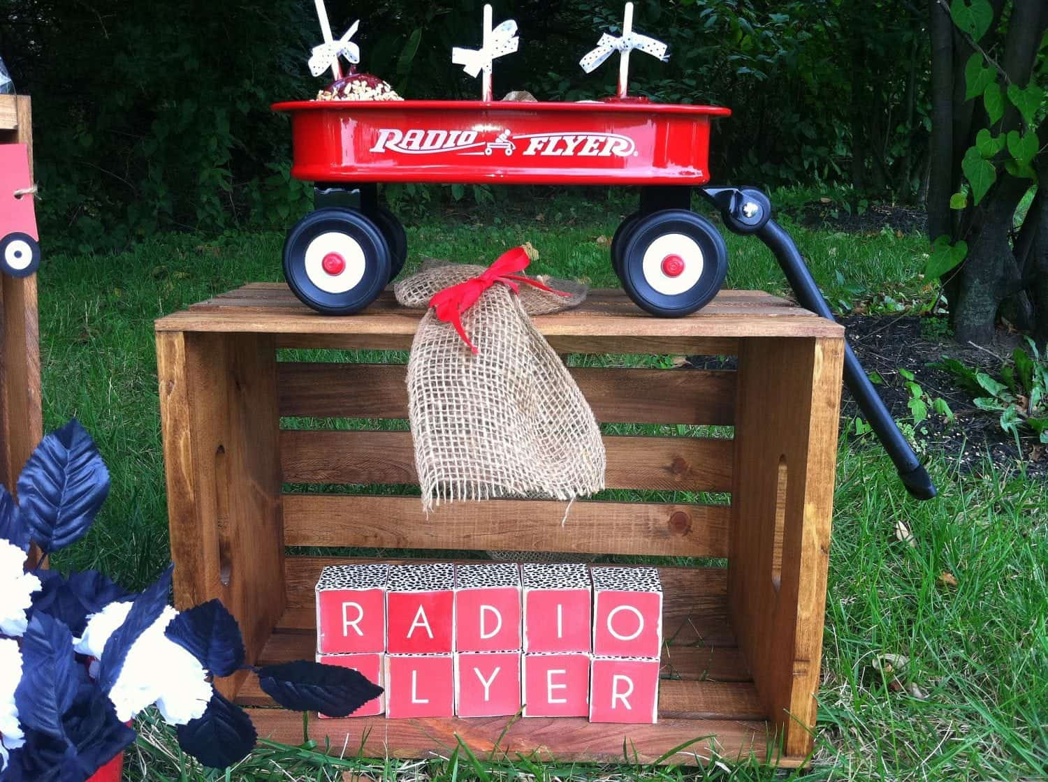 Radio Flyer Party {PRESS}