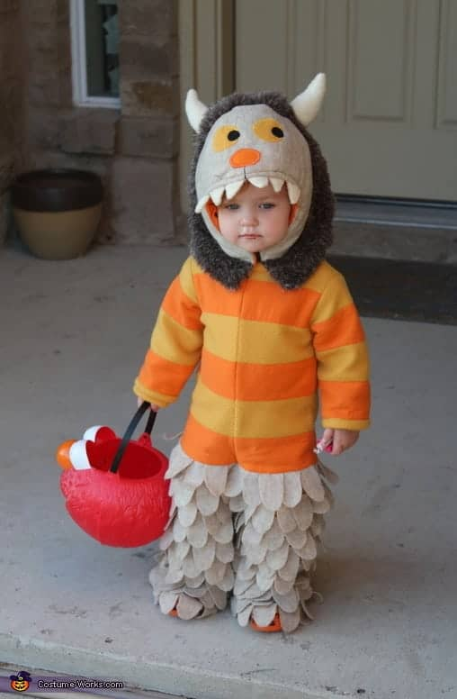 Halloween: DIY Halloween Costumes.  Planning to make a custom Halloween Costume for your youngsters this Halloween?  Here are some awesome DIY Halloween Costumes and Tutorials. #diy #crafts #halloween #costumes #sewing #holiday #parties