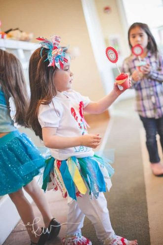 Dr. Seuss Party: Riot's Thing 1 and Leighton's Thing 2- Mimi's Dollhouse