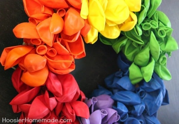 Rainbow-Balloon-Wreath.1