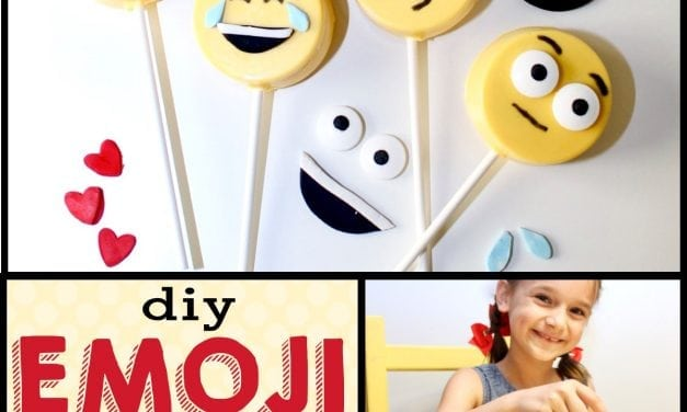 Emoji Birthday Party: DIY Emoji Oreo Pops and DIY Emoji Cookies