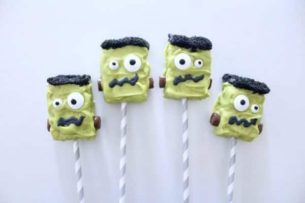 Halloween: Frankenstein Oreos, Rice Krispies, and Cookies DIY.  Bring your party to life with some Frankenstein Oreos, Frankenstein Rice Krispies, and Frankenstein cookies!!! #halloween #frankenstein #parties #party #holiday #baking #dessert #treats #partyideas #kidparties