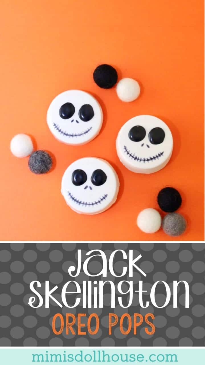 Halloween: DIY Jack Skellington Oreo Pops.  Nightmare Before Christmas lovers rejoice!  This Jack Skellington Oreo Pops tutorial is as simple as it is cute!!! #parties #halloween #baking #diy #desserts #holiday #partyideas