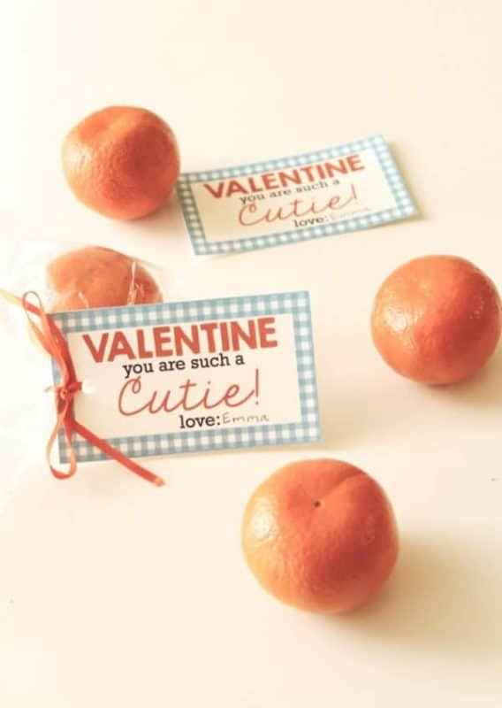Cuties Valentines: Free Printable Valentines.  Looking for a fun and healthy way to spread some love this Valentine's Day?  Why not download some free printable valentines and give delicious oranges this year? #valentines #valentinesday #free #printables #freeprintables #holiday #kids #crafts #diy