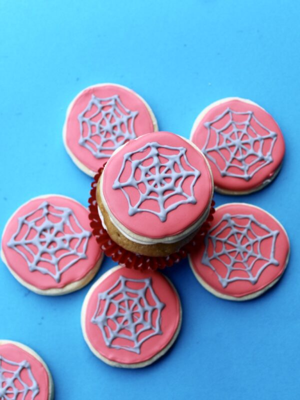 Easy Royal Icing Spiderman Cookies Recipe. Here is a fun and easy DIY Spider-Man Sugar cookie recipe to enjoy with your family! #spiderman #spider-man #royalicing #cookies #superhero #cookies #party #parties #decorating #baking
