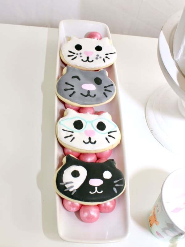 cute kitty themed cookies