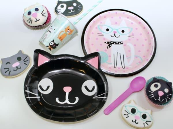 cute cat shaped plates